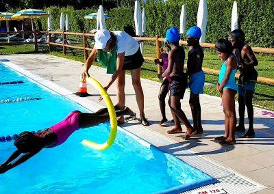 7 Corso nuoto piscina Foligno